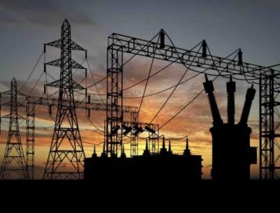 کراچی میں بجلی کا ایک اور بریک ڈاؤن ہوا جس کے باعث شہر کے کئی علاقے بجلی سے محروم ہوگئے۔