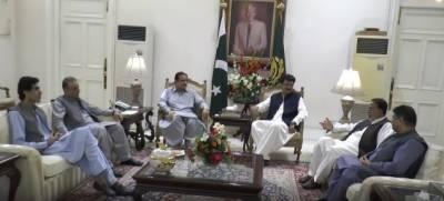 وزیر اعلیٰ پنجاب سردار عثمان بزدار سے تحریک انصاف کے نو منتخب سینیٹر ڈاکٹر شہزاد وسیم کی ملاقات