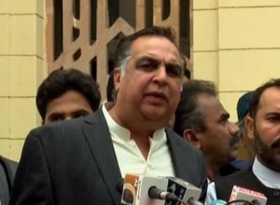 کراچی: ایکسپو سینٹر آمد پر طلبہ نے گورنرعمران اسماعیل کو گھیر لیا۔
