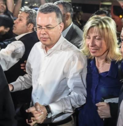 ترکی نے امریکی پادری انڈریو برنسن کو رہا کردیا