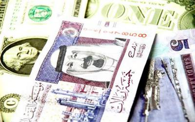 ایشیائی فوریکس: سعودی ریال کی ڈالر میں شرح تبادلہ دو سال کی کم ترین سطح پر آ گئی۔
