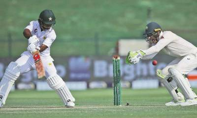 Pakistan's Mohammad Abbas takes five to leave Australia lagging in second Test