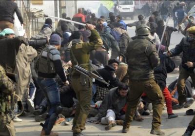مقبوضہ کشمیر: قابض بھارتی افواج نے خون کی ہولی کھیلنا شروع کردی