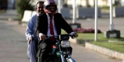 سندھ میں ڈبل سواری پر عائد پابندی ختم