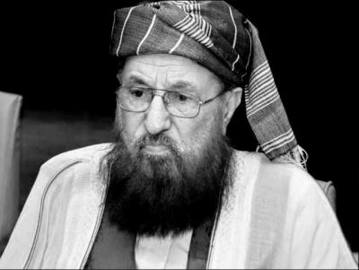 مولانا سمیع الحق مرحوم کی فاتحہ خوانیکے لیےسپیکر قومی اسمبلی اور وزیردفاع کی دارالعلوم حقانیہ اکوڑہ خٹک آمد ۔