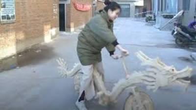 آئسکریم سٹکس سے ڈریگن سائیکل تیار