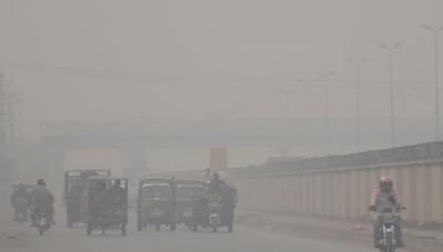 کراچی میں فضائی آلودگی خطرناک حد تک اضافہ
