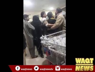 پشاور: گزشتہ شب ایل آر ایچ کے گائنی وارڈ میں ہنگامہ آرائی ہوئی تھی