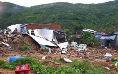 ویتنام میں شدید بارش، لینڈ سلائیڈنگ سے 13 ہلاک