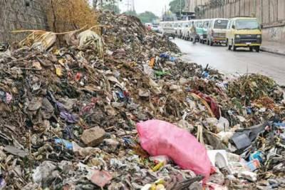پشاور میں صفائی مہم بیکار، جابجا گندگی کے ڈھیر، تعفن پھیلنے لگا