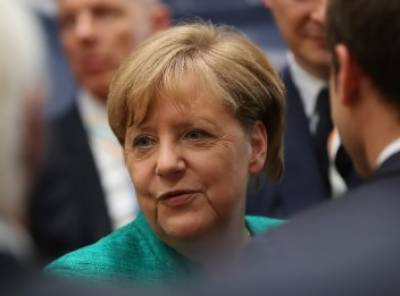 انجیلا میرکل کے طیارے میں خرابی جی ٹوئنٹی اجلاس میں تاخیر کا موجب بنی. جرمن چانسلر اسپین سے بوینس آئرس کے لیے روانہ ہوئیں