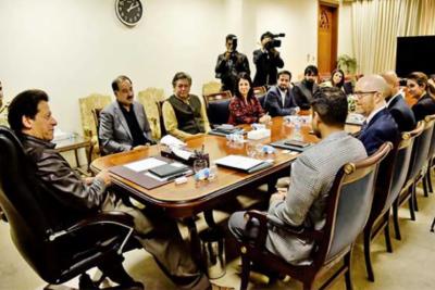عمران خان کی فیس بک سنگاپور کی پبلک پالیسی کے نائب صدرSIMON MILNER سے اسلام آباد میں گفتگو