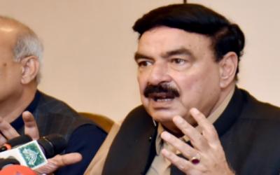 وفاقی وزیرریلوے شیخ رشید احمدوفاقی وزیرخزانہ کی حمایت میں سامنے آگئے