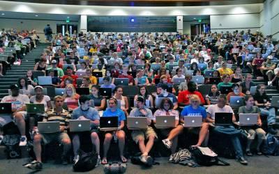 دنیا بھرمیں انٹرنیٹ صارفین کی تعداد نصف آبادی سے متجاوز کر گئی۔ اقوام متحدہ