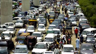 لاہور میں گاڑیاں، موٹرسائیکلیں اپنے نام کرانے کیلئے 10روز کی مہلت