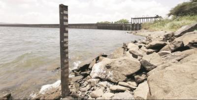 بگلیہارڈیم پر پانی روک لئے جانے کی وجہ سے ہیڈمرالہ کے مقام پانی کی آمد انتہائی کم ہوکر چھ ہزار پانچ سو بیالیس کیوسک رہ گئی