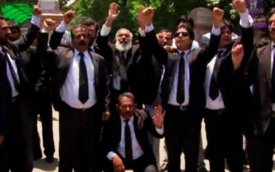 ہائی کورٹ بینچ کا قیام نہ ہونے کے خلاف وکلاء کا عدالتوں کا بائیکاٹ ہفتہ کے روز بھی جاری رہا