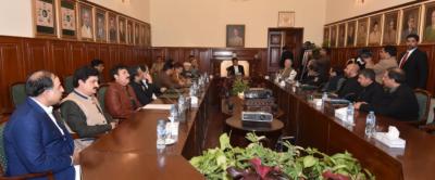 وزیر اعظم عمران خان کی صدارت میں فاٹا انضمام کے حوالے سے پشاور میں اجلاس