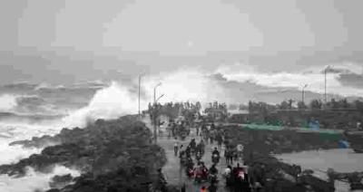 بھارت میں سمندری طوفان پینتھائی کا خطرہ