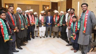 پنجاب کے 13 اضلاع کے بلدیاتی چیئرمین تحریک انصاف میں شامل