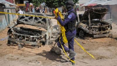 صومالیہ میں صدراتی محل کے قریب دھماکوں میں معروف صحافی سمیت 15 افراد ہلاک