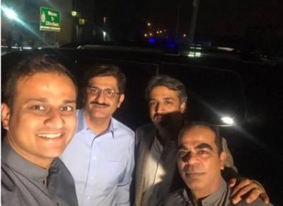مراد علی شاہ کی گاڑی کو رینجرز نے روک لیا۔ وزیر اعلیٰ سندھ کی اہلکاروں کی شاباشی