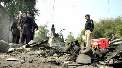 پشاور کار بم دھماکے سے تباہ عمارتوں کی مرمت کا کام جاری