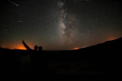 خلا میں انتہائی فاصلے پر واقع کہکشاں سے آنے والی پراسرار لہروں کا سراغ: نیوٹرون ستارہ یا خلائی مخلوق؟