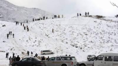 بلوچستان کے مختلف اضلاع میں بارش اور برفباری کا سلسلہ جاری, شدید برفباری کے بعد پہاڑی علاقوں کو جانے والے راستے بند