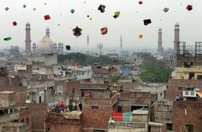 بسنت نہ منانے کا فیصلہ ادارے ذمہ داریاں پوری کریں تو ایسی سرگرمیاں ہو سکتی ہیں : پنجاب حکومت