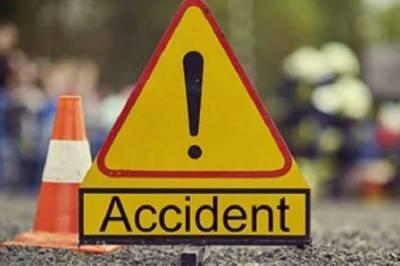 سیہون شریف: ٹرک اور وین میں تصادم، 4 افراد جاں بحق, 12مسافر زخمی
