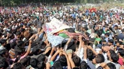 مقبوضہ کشمیر: بھارتی فوجیوں نے سرینگر میں دو نوجوان شہید کر دیے، نوجوانوں کی شہادت پر مظاہرے