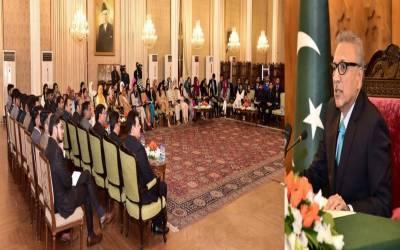صدر مملکت کا سندھ مدرسہ السلام یونیورسٹی کراچی کے نیشنل لیڈر شپ پروگرام کے شرکاء سے خطاب ۔