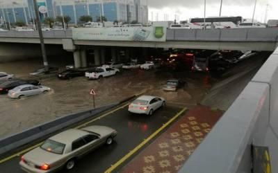 سعودی عرب میں تیز ہواﺅں کے ساتھ موسلادھار بارش، سوڈانی شہری جاں بحق