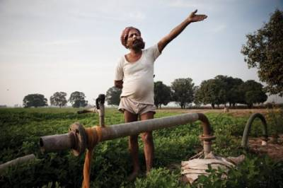 بھارتی پنجاب میں 17 ہزار ٹیوب ویلز کو کیمیکل ڈال کر زہر آلود کرنے کا انکشاف