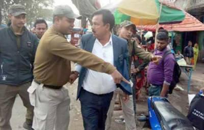 بھارتی حکمران جماعت بی جے پی رہنما لکھیشور مورن کی ہجوم کے ہاتھوں پٹائی