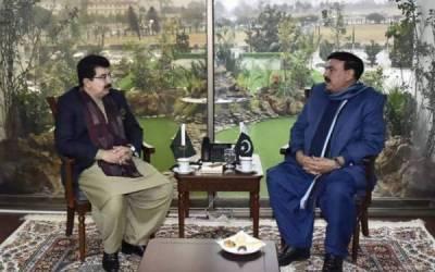 چیئرمین سینیٹ سے وفاقی وزیر ریلوے شیخ رشید احمد کی ملاقات