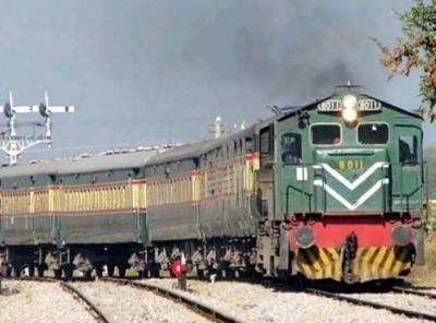 کوئٹہ میں ٹرینوں کی کمی، لوگوں کو پریشانی کا سامنا