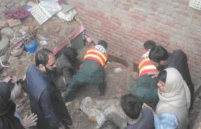 لوئر اورکزئی، شدید بارشوں اور برفباری کے باعث مکان کا چھت گرنے سے دس سالہ بچی جاں بحق دو خواتین زخمی