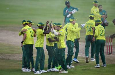 جنوبی افریقہ اور پاکستان کی ٹیمیں تیسرے اور آخری ٹی ٹونٹی انٹرنیشنل میچ میں بدھ کو آمنے سامنے ہوں گی۔