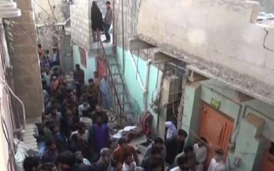 کراچی: مکان کی چھت گرنے سے ایک ہی خاندان کے3افراد جاں بحق