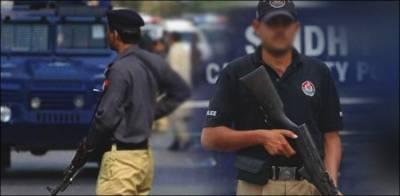کراچی: پولیس کی رات گئے کارروائیاں، 8 ملزمان گرفتار، اسلحہ برآمد