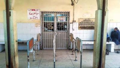 سندھ بھر میں ینگ ڈاکٹرز کی ہڑتال کا چوتھا روز، اسپتالوں میں کام بند