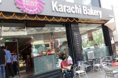 بھارت میں پاکستان دشمنی، کراچی بیکری پر حملہ، دھمکیوں پرنام چھپا دیا