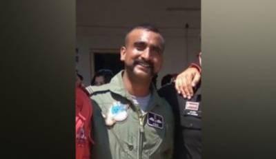 بھارت نے طیارہ گرنے اور پائلٹ کی پاکستان میں گرفتاری کی تصدیق کر دی۔