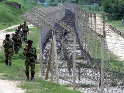 چکوٹھی میں بھارتی مورچوں کے سامنے پاک فوج زندہ باد کے نعرے