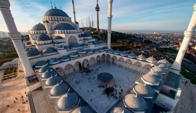 خواتین کی ڈیزائن کردہ ترکی کی سب سے بڑی مسجد کا افتتاح