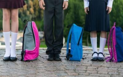 پابندی کے باوجود کئی سکولوں نے فیسیں بڑھا دیں، یونیفارم اور کتابیں بھی مہنگی