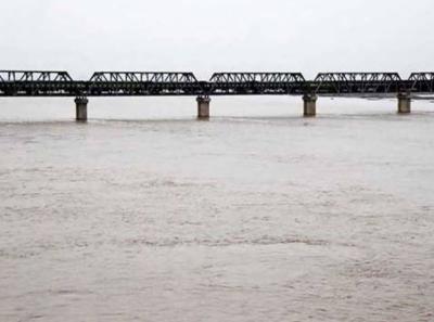 بھارت کی فوجی ناکامی کے بعد آبی دہشت گردی: بھارت نے پاکستان کا اضافی پانی روک لیا