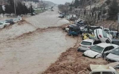 ایران : طوفانی بارشوں کے بعد سیلاب ،17 افراد ہلاک اور 74 زخمی